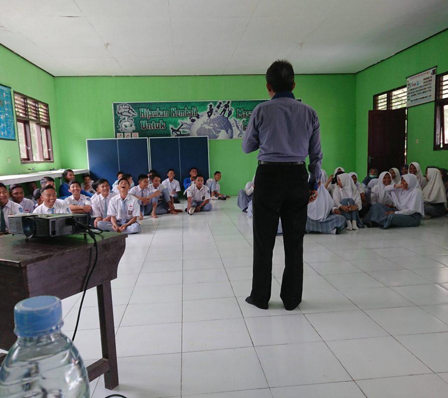 SMAN 1 Sematu Jaya
